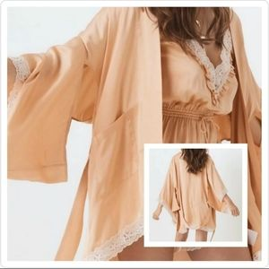 NWT SPELL And The Gypsy Collective Wild Love Robe